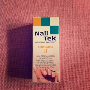 Nail Tek ridge-filling basecoat&nail strengthener